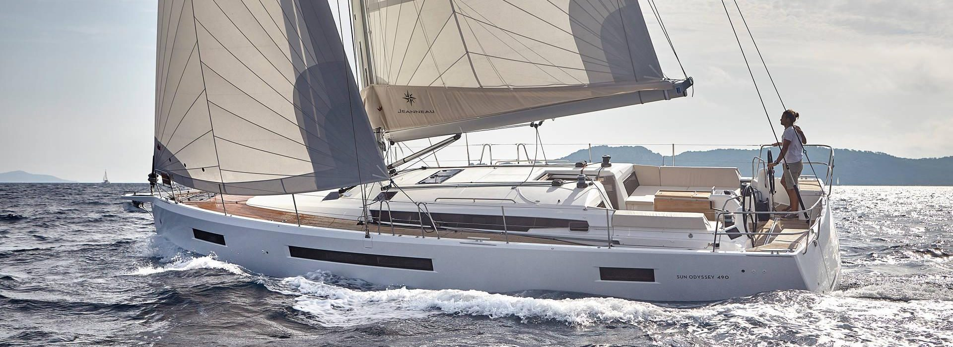 Jeanneau Sun-odyssey 490 underway full sail
